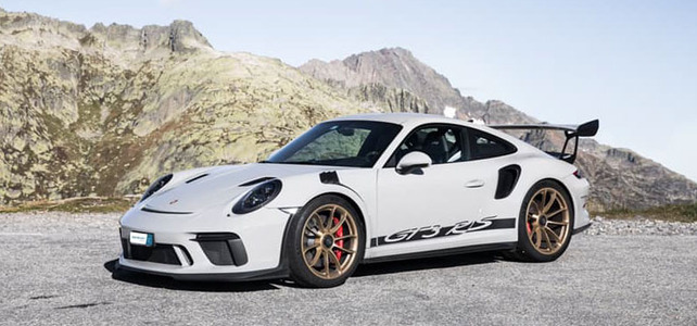 Porsche 911 GT3RS 991,2 - European Supercar Hire from Ultimate Drives