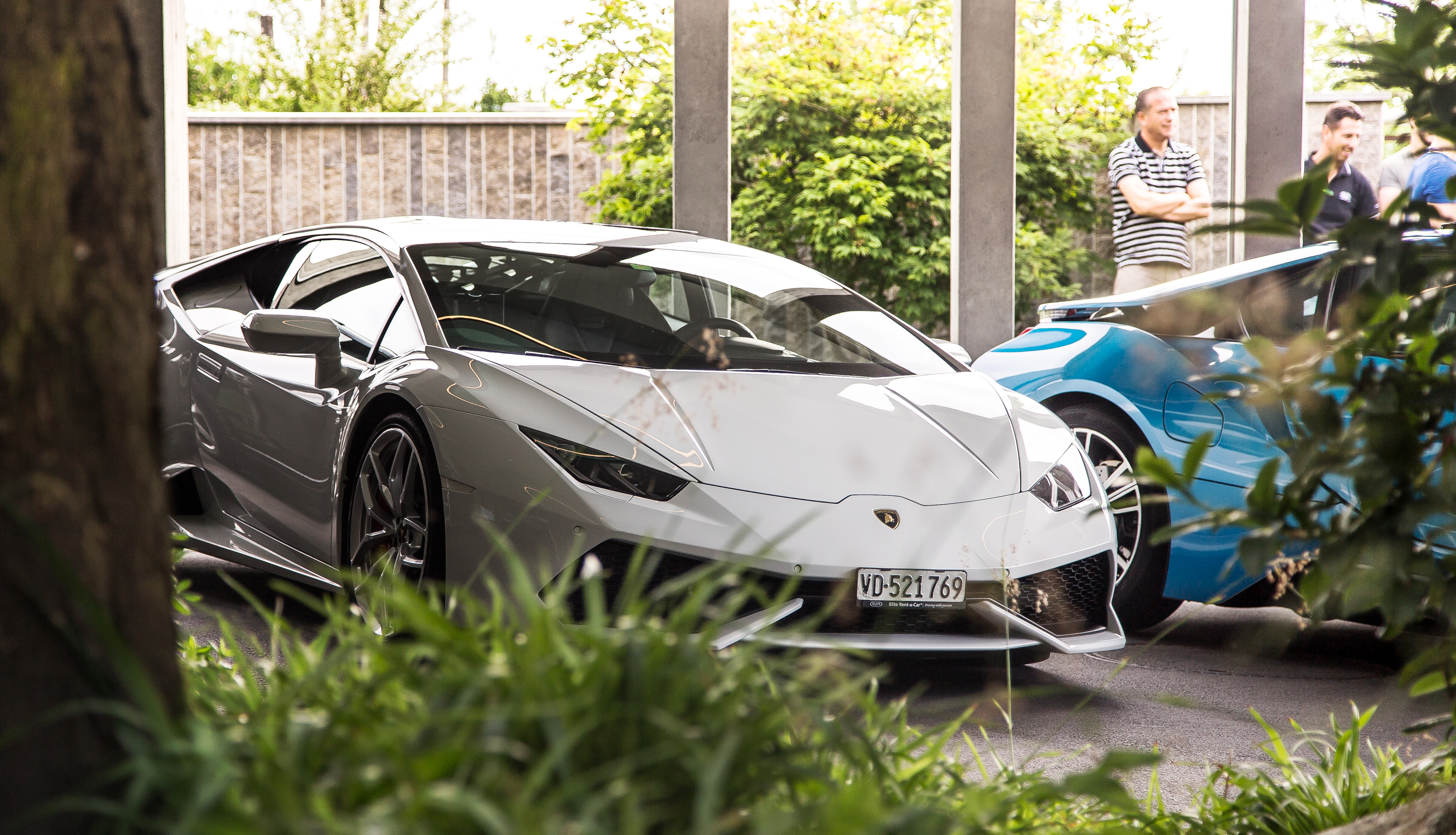 Supercar Experience Alps - car handovers at hotel